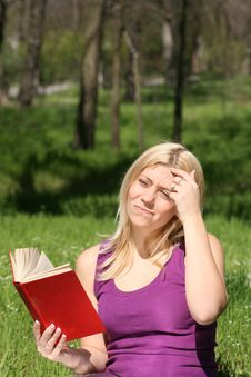 Free Woman Reading A Book Stock Image - 17904381