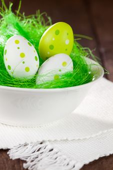 Free Eggs In A Easter Basket Stock Photography - 17905122