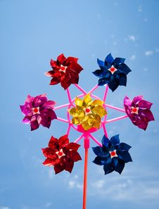 Free Colorful Pinwheel Royalty Free Stock Image - 17906986