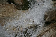 Free Falling Water Stock Photography - 17910452