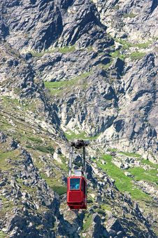Free Red Cableway Stock Images - 17910624