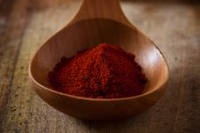 Free Paprika On Wooden Spoon Stock Photo - 17911540
