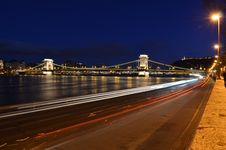 Free Budapest Chain Bridge By Night Royalty Free Stock Photos - 17916148