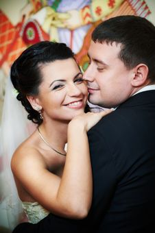Free Happy Bride And Groom Royalty Free Stock Image - 17920326