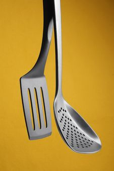 Free Plastic Drainer And Spatula Hanging Royalty Free Stock Photos - 17923888