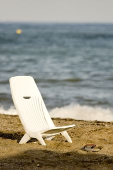 Free Relaxing On The Beach Royalty Free Stock Photos - 17927018