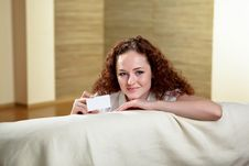 Free Portrait Of  Woman Holding Blank Card Royalty Free Stock Photos - 17927638