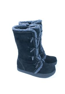 Free Winter Boots Stock Photo - 17928480