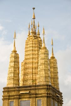 Free Golden Pagoda Stock Image - 17930201