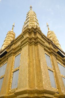 Free Golden Pagoda Royalty Free Stock Photography - 17930467