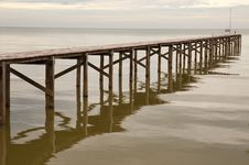 Free Wooden Bridge In To The Sea Royalty Free Stock Photos - 17930628