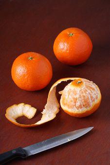 Free Three Mandarin Oranges Royalty Free Stock Photos - 17932888