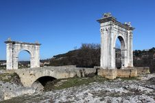 Free Old Roman Bridge Stock Images - 17933854