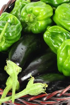 Free Green Peppers And Purple Eggplant Royalty Free Stock Photos - 17935978