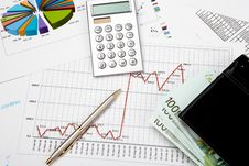 Free Financial Charts And Graphs Royalty Free Stock Photography - 17939737