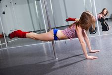 Free Young Pole Dancer Royalty Free Stock Photography - 17945127