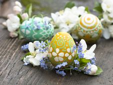 Free Easter Eggs  And  Springs Flowers Stock Photo - 17945980