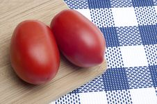 Free Pair Of Fresh Roma Tomatoes Stock Images - 17947054