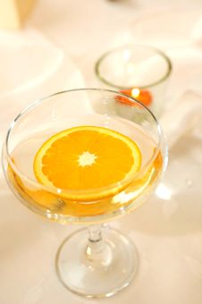 Free Detail Of A Glass With A Slice Of Orange Stock Images - 17957404