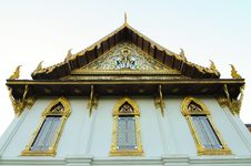 Free Gold Buddhist Monastery Window At Sanamchan Palace Royalty Free Stock Photos - 17963798