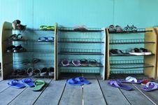 Free Shoe Shelf Royalty Free Stock Photography - 17963967