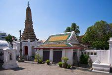 Free Stupa Royalty Free Stock Photography - 17966757