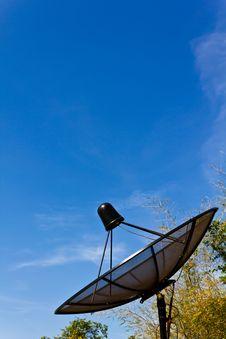 Free Black Satellite Information Signals Stock Photos - 17967103