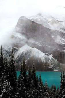 Free Lake Louise - Mountain Royalty Free Stock Images - 17968719