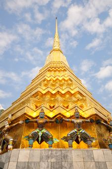 Free Statues At Wat Phra-Kaew Stock Photos - 17970333