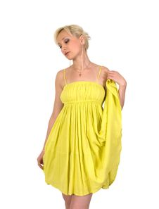 Free Female In A Yellow Dress. Stock Photo - 17973480