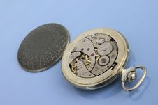 Free Inside Of Pocket Watch. Royalty Free Stock Images - 17974919