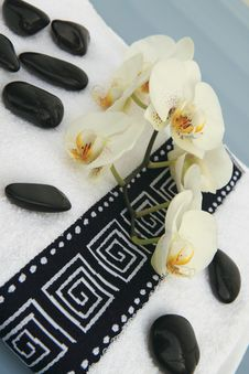 Free Spa Stones, Towel And Orchid Royalty Free Stock Images - 17975029