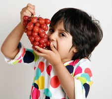Free Toddler Eating Graphs Royalty Free Stock Photography - 17975307
