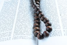 Free Bible Rosary Beads Stock Images - 17975784