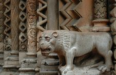 Free Stone Lion In Budapest Royalty Free Stock Image - 17982446