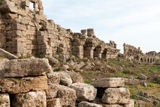 Free Ancient Ruins Royalty Free Stock Photos - 17992008