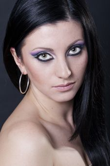 Free Brunette Woman With Blue And Purple Makeup Royalty Free Stock Photography - 17996127
