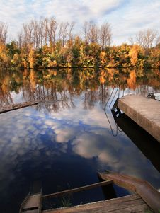 Free Autumn Mooring Royalty Free Stock Images - 1802789