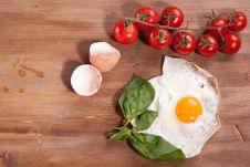 Free Fried Egg With Tomato Stock Image - 18006301