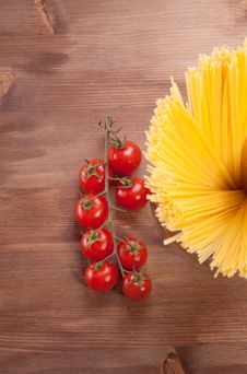 Free Pasta And Tomato Royalty Free Stock Photo - 18006335