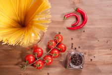 Free Pasta, Pepper And Tomato Royalty Free Stock Photography - 18006367