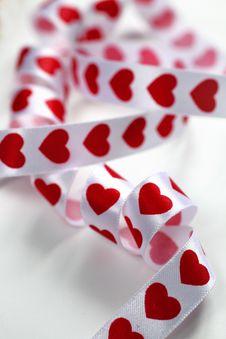 Free White Hearts Ribbon Stock Photos - 18006953
