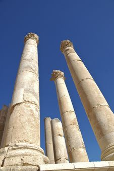 Free Columns From The Temple Of Zeus In Jerash, Jordan Stock Photography - 18009762