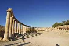 Free Pillars Of The Oval Plaza In Jerash, Jordan Stock Photo - 18010280