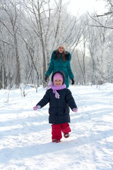 Free Mother And  Kid Having Fun Outdoors On  Winter Day Stock Photography - 18010662