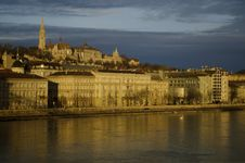 Free Buda Hill With Fishermen S Bastion, Budapest Royalty Free Stock Photo - 18011675