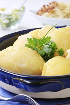 Free Boiled Potatoes Royalty Free Stock Images - 18012459