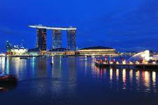 Free Night Scene Of Modern Building Stock Photography - 18015002