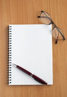 Free Notebook And Pen Stock Images - 18016024