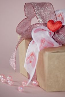 Free Valentine S Chocolate Box Royalty Free Stock Images - 18016259